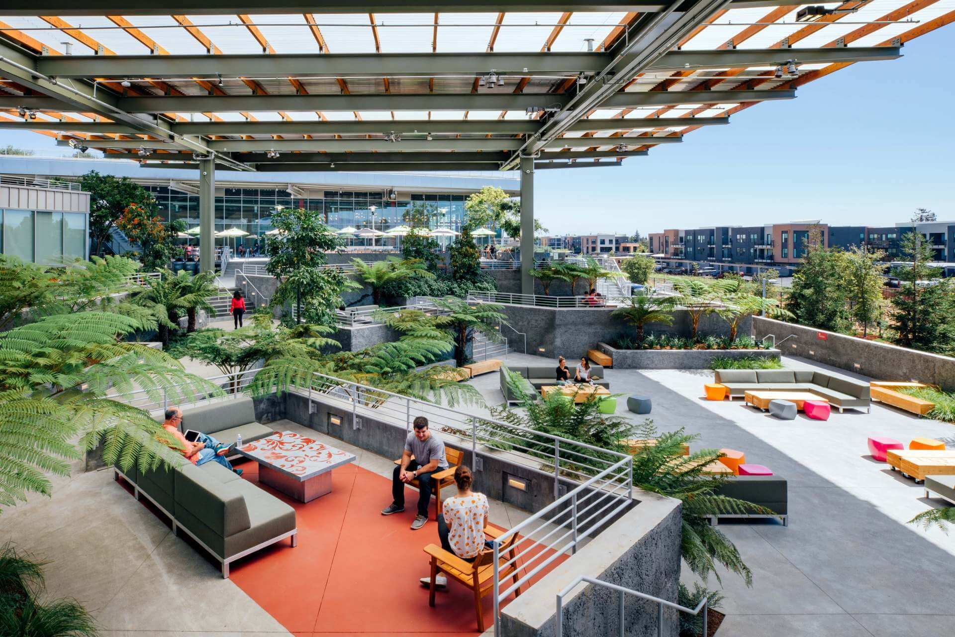 """""""The Bowl"""" allows Facebook employees to connect to nature."""